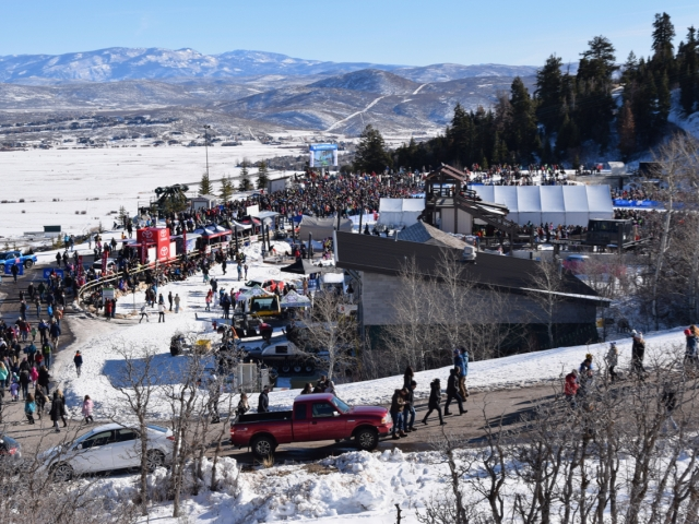 Widok na teren widowni skoków narciarskich